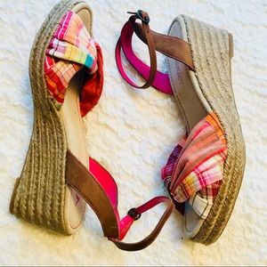 American Eagle Outfitters Sz 9 Sandals Plaid Wedge